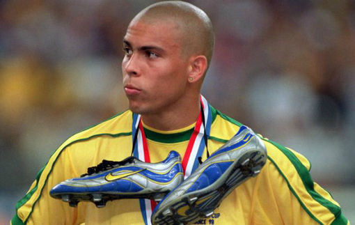 Роналдо воссоединился со своей статуей