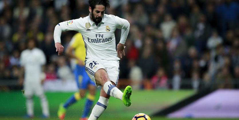 «Реал» побил рекорд «Барселоны», забив в45-м матче подряд