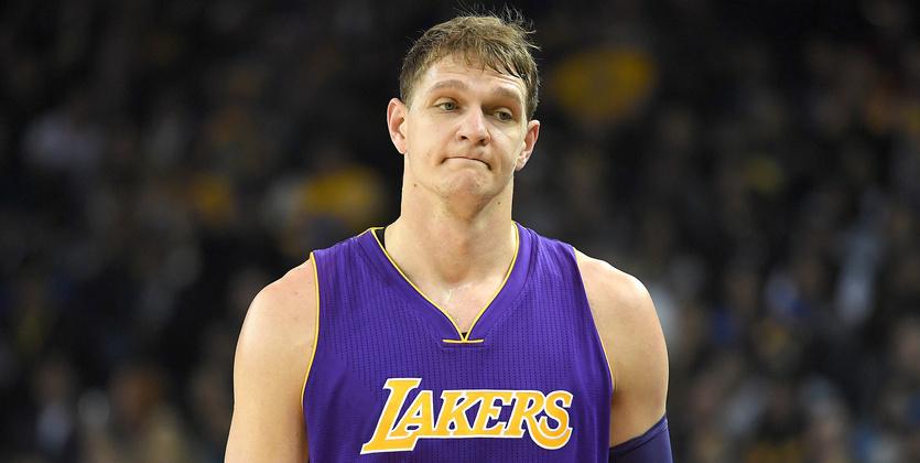 Баскетболист Мозгов небудет играть за«Лос-Анджелес Лейкерс» доконца сезона
