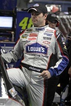 NASCAR. Джимми Джонсон упрочил лидерство в Sprint Cup Series