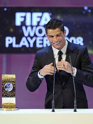 ФИФА объявила соискателей на приз лучшего игрока мира