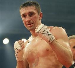 Сенченко будет защищать титул WBA 30 августа