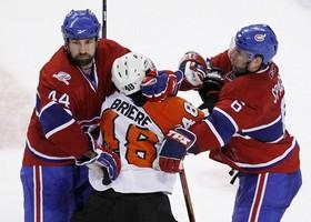 Хамрлик признан первой звездой дня НХЛ