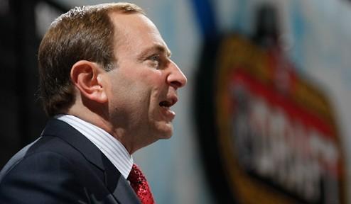 Босс НХЛ поддерживает хоккеистов, не желающих играть на ЧМ