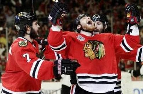 НХЛ. Чикаго выигрывает второй домашний матч финала
