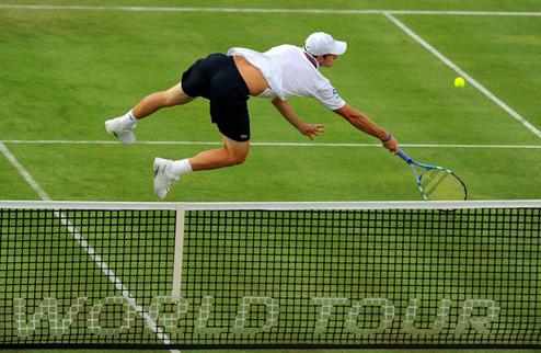 Федерер, Мюррей и Роддик провели первые травяные матчи